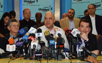 """""""Chúo"""" Torrealba convocó a marchar hacia las sedes regionales de Corpoelec"""