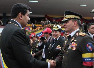 """Stratfor: """"Probabilidad de revocatorio a Maduro aumentaría si Padrino López le retira su apoyo"""""""