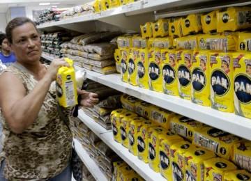 Sundde aumenta precios regulados de la harina, el pollo y el maíz