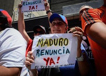 Oposición protestó contra prohibición de manifestaciones frente a sedes del CNE