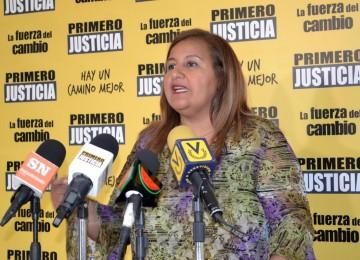 Figuera denuncia ataque oficialista a firmantes en Aragua