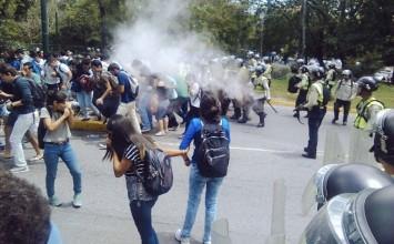 Reprimen protesta contra la inseguridad en la UCV