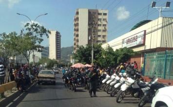 Reportan intentos de saqueo en Puerto La Cruz