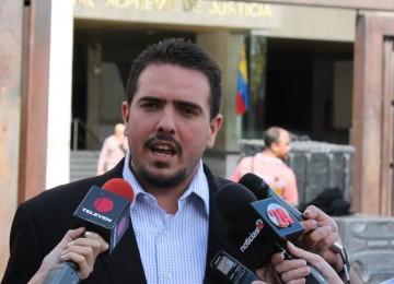 Stalin González: Capriles debe aclarar quiénes reciben sobornos