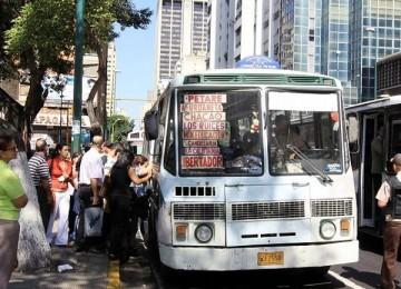 Evalúan mecanismo para calcular aumento de tarifa del transporte público