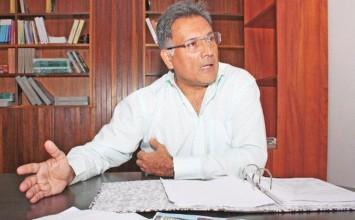 Ministro Arias niega que control de precios haga trabajar a pérdida