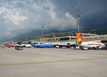 Caída en venta de boletos aéreos se ubica en 75% desde 2014