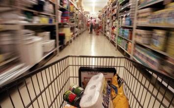 Consumidores pagaron en diciembre 153 veces más que hace cinco años por canasta alimentaria