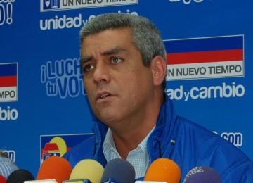 Marquina pide publicación de las condiciones de canje en bonos de Pdvsa