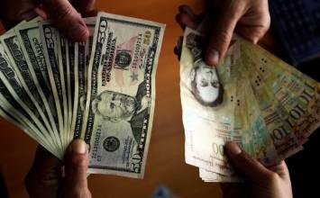 Dólar Simadi mantiene tendencia al alza y cierra la semana en Bs. 701,79