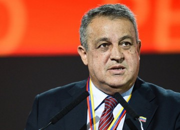 Del Pino critica a medio por publicar supuesta evaluación de pago de bonos en Bs en el TSJ