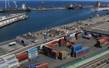 Llegaron alimentos y productos de higiene al puerto de La Guaira