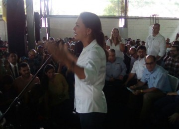 María Corina Machado insiste en que el revocatorio se realice este año