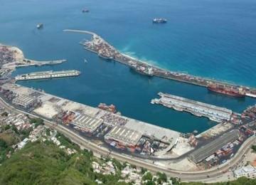 Llegaron alimentos y medicinas a Puerto Cabello