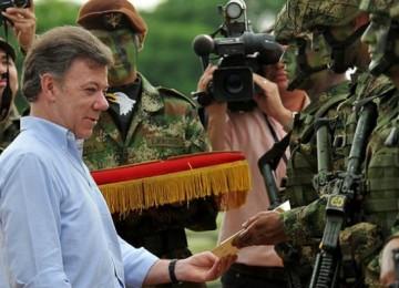 Unión Europea suspende a las Farc de lista de grupos terroristas