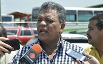 """Transportistas acusan a Molina de tener un """"un doble discurso"""""""
