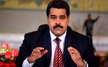 Maduro firma acuerdos entre Petroquiriquire y Repsol