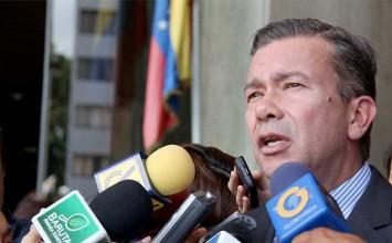 Gerardo Blyde renunció a UNT