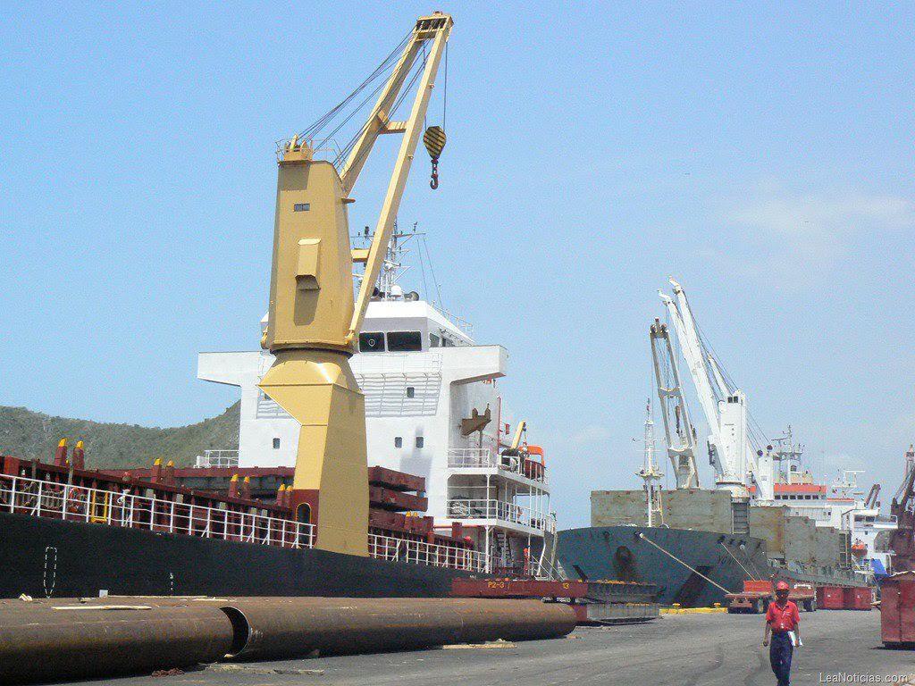 Descargadas más de tres mil toneladas de alimentos en Puerto Cabello
