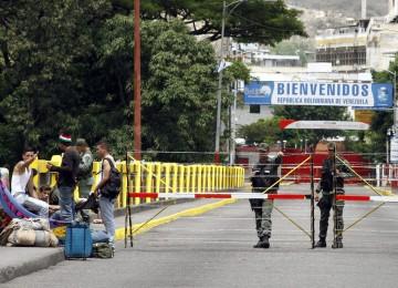 Habilitarán temporalmente paso vehicular en frontera de Colombia y Venezuela