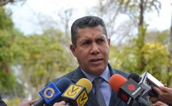 Henri Falcón insiste en analizar propuesta de mediadores internacionales