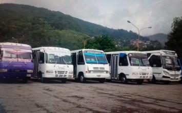Retienen unidades de transporte en la ULA por suspensión de pasaje estudiantil