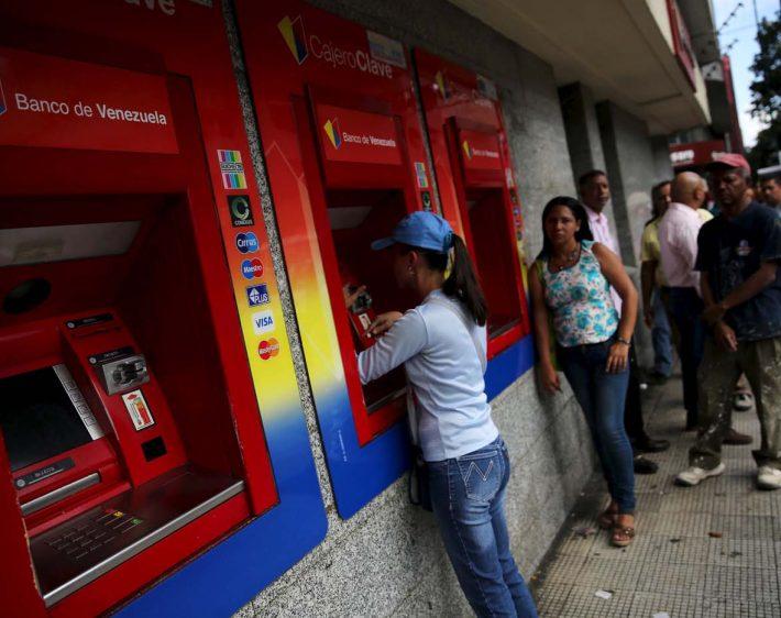 Bancos de Táchira aún no cuentan con billetes del nuevo cono monetario