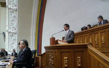 Parlamento convoca referendo consultivo sobre la Constituyente y permanencia de Maduro en el poder