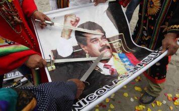 Chamanes peruanos realizan ritual con imágenes de Maduro y otros líderes