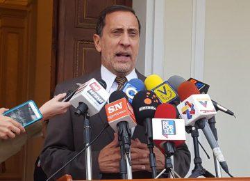José Guerra: Banesco no está intervenido ni expropiado