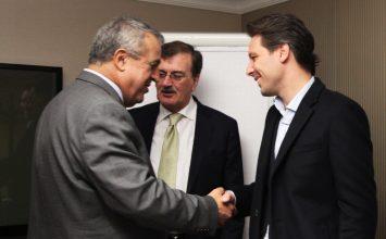 Del Pino se reunió con ministros de Omán, Argelia y Ecuador