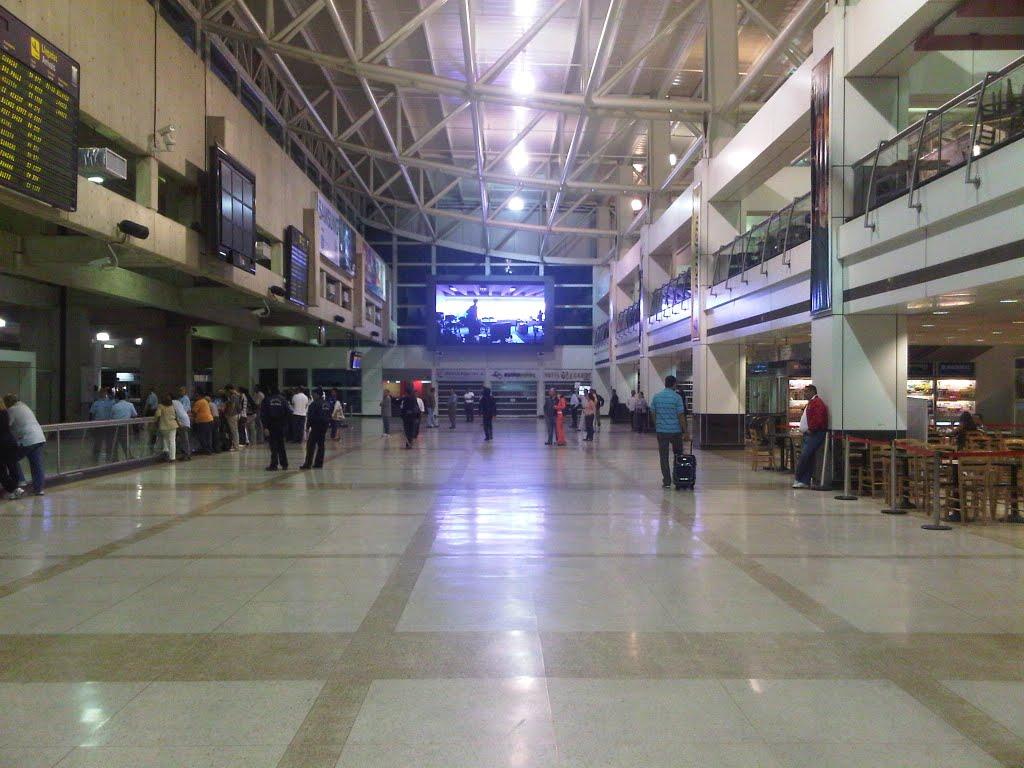Reportan apagón en aeropuerto de Maiquetía