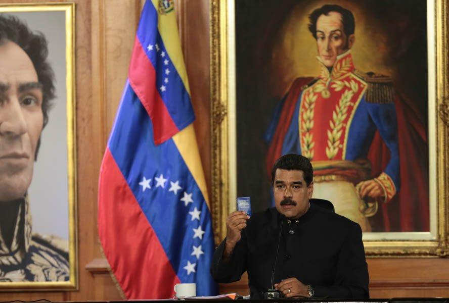 Maduro anuncia reconversión monetaria