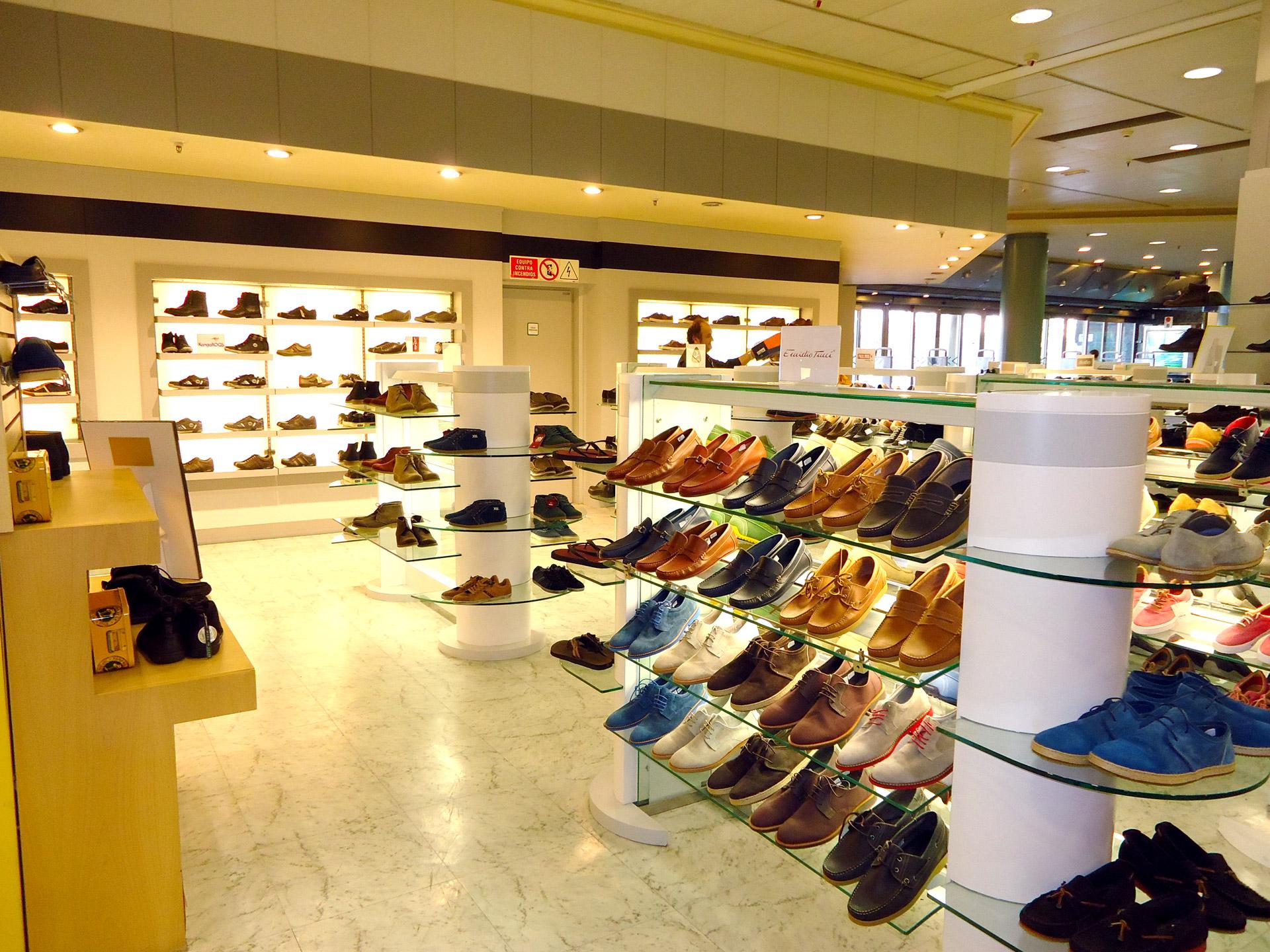 d059a8721 Cada siete días aumentan zapatos en tiendas de Caracas - Descifrado