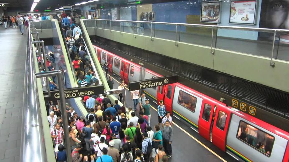 Ministro desmiente parálisis del Metro capitalino en Venezuela