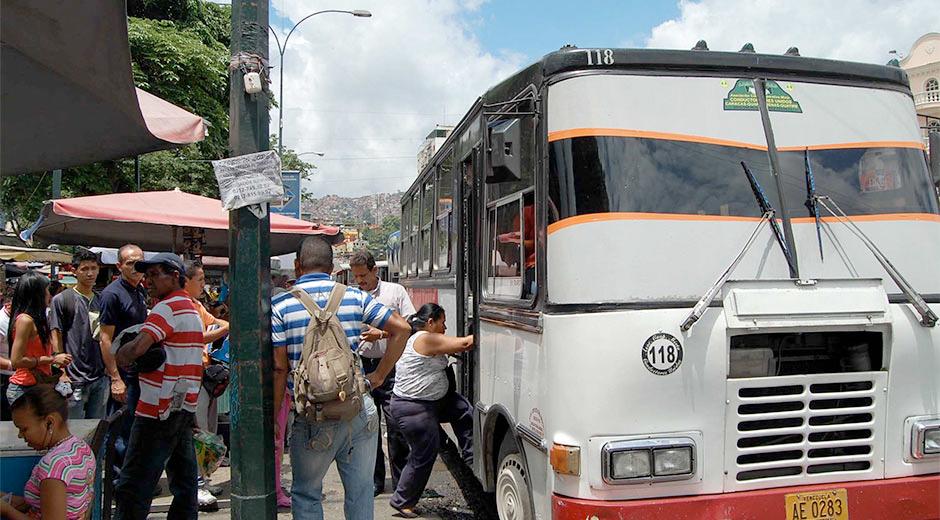 Transportistas se reunirán para abordar ajuste del pasaje en el Municipio Libertador