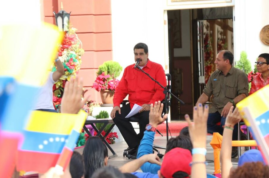 Maduro aprobó Bs 217 mil millones para pago del pasaje estudiantil