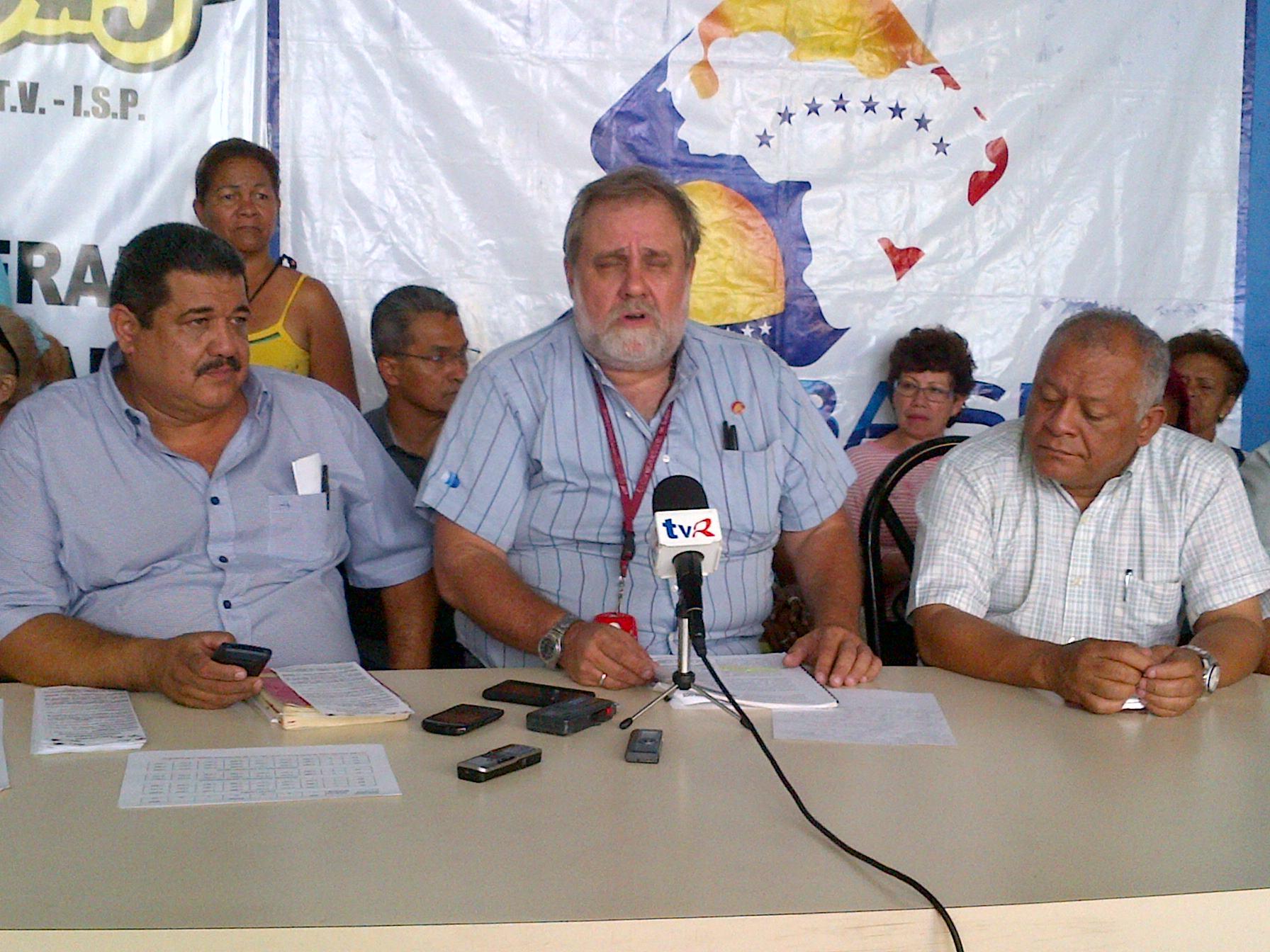 """Servando Carbone considera """"irresponsable"""" la decisión del asueto de la Semana Santa"""
