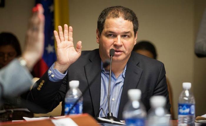 Florido: la oposición seguirá en el proceso de diálogo
