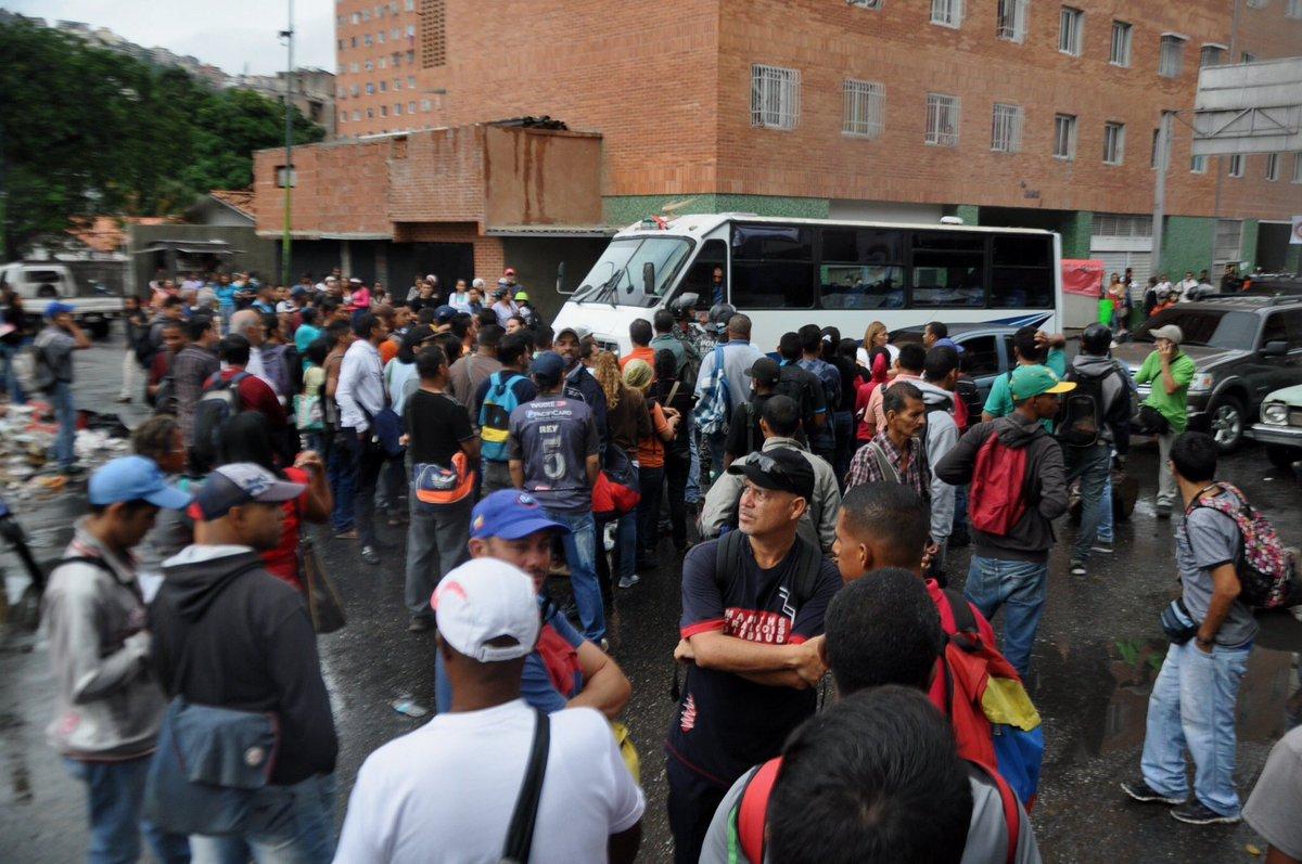 Caracas colapsada por paro de transporte este martes #30Ene — FOTOS