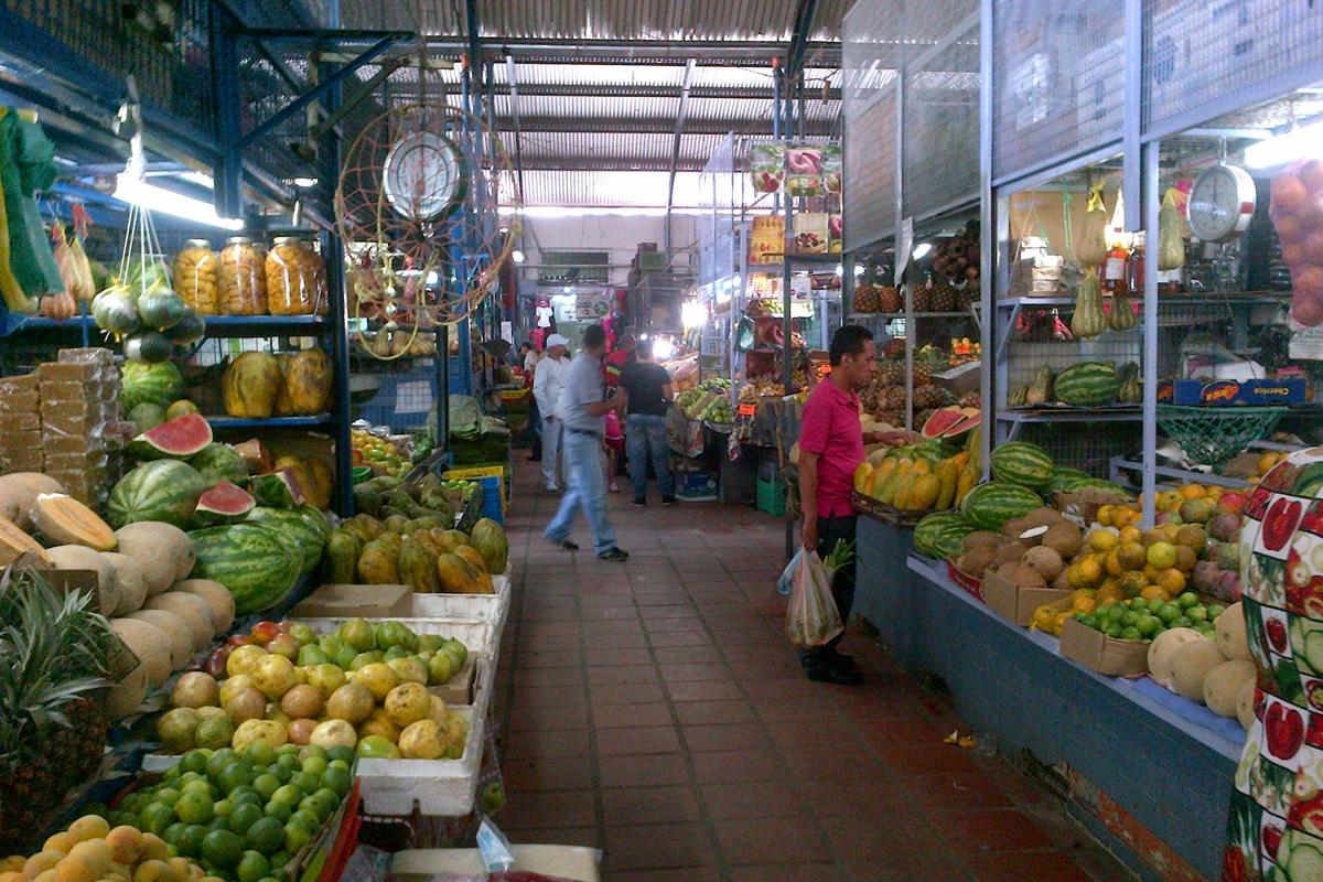 8 mercados serán ocupados temporalmente — El Aissami