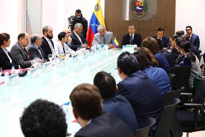 Maduro anuncia nuevo gabinete de gobierno a través de Twitter (+LOS CAMBIOS)