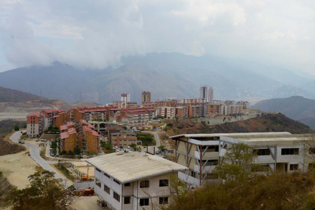 Roban 152 mil dólares a cubanos de misión barrio adentro