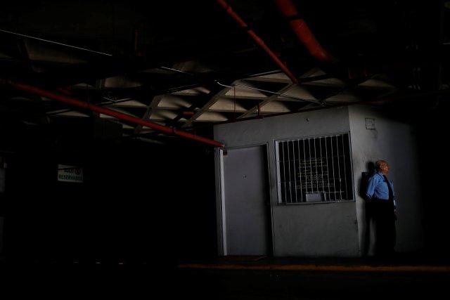 Al menos 13 estados del país quedan sin electricidad este #15Oct