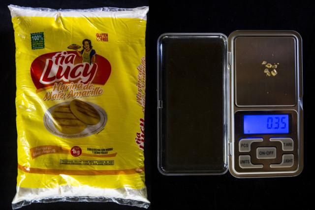 Un kilogramo de harina de maíz , la base de la dieta venezolana: 0,35 gramos.