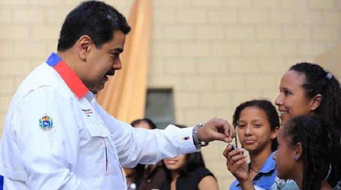 Maduro ratifica intención de llegar a 5 millones de viviendas entregadas