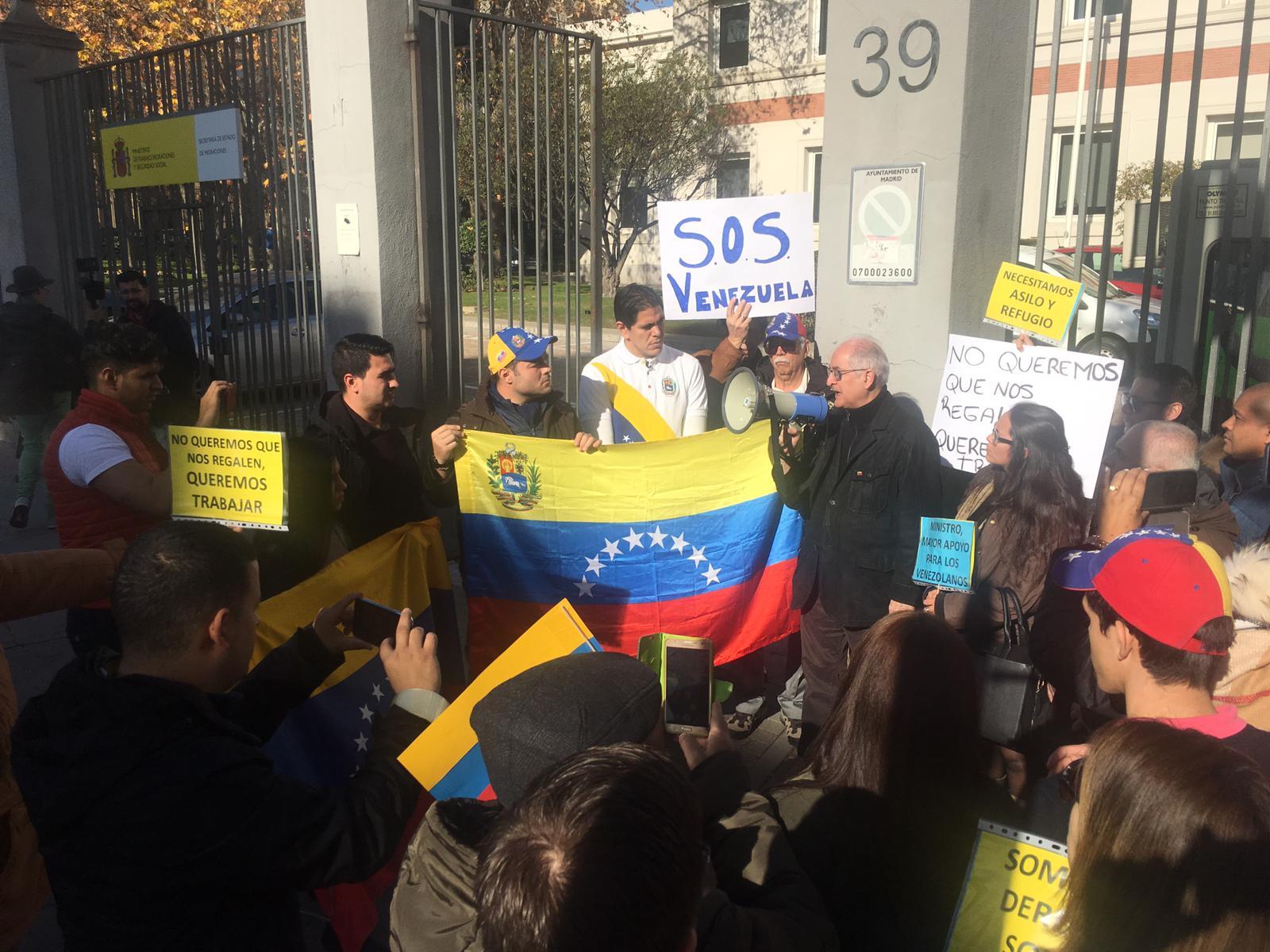 venezolanos se manifiestan en Madrid2