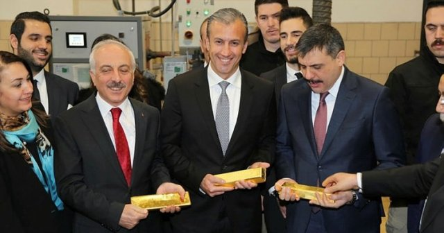 Venezuela negocia refinar su oro en Turquía