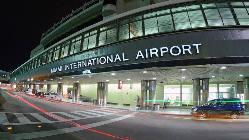 Cierre administrativo de EEUU: El aeropuerto de Miami restringe horarios   Transportes