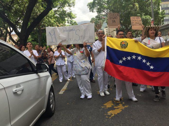 Personal del J.M. de Los Ríos protesta por las malas condiciones del hospital